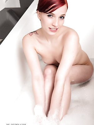 MC-Nudes  Leila K  Solo, Shower, Natural, Bath, Softcore, Erotic