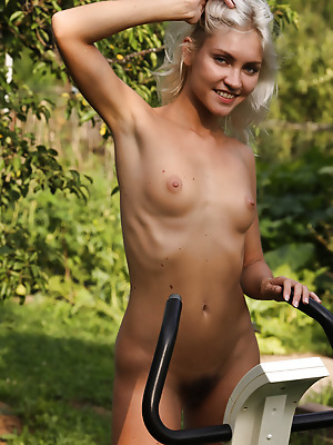 Erotic Beauty  Kristy  Pussy, Erotic, Softcore, Outdoor, Shaved
