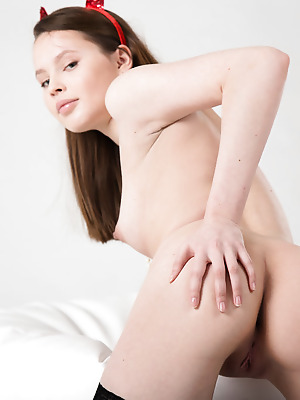 Showy Beauty  Rosi  Ass, Erotic, Softcore, Solo, Naughty